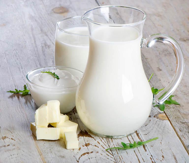 Bị gan nhiễm mỡ uống sữa được không?
